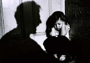 child abuse 2 300x210 Are Single Parents Child Abusers?